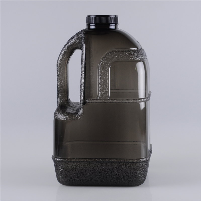 1-gallon-plastic-drinking-water-bottle-with-handle (1)