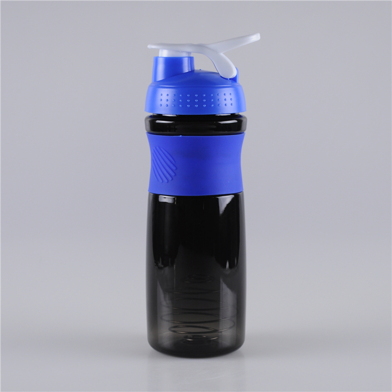 750ml-gripper-plastic-shaker-bottle-with-carrying-lid (1)