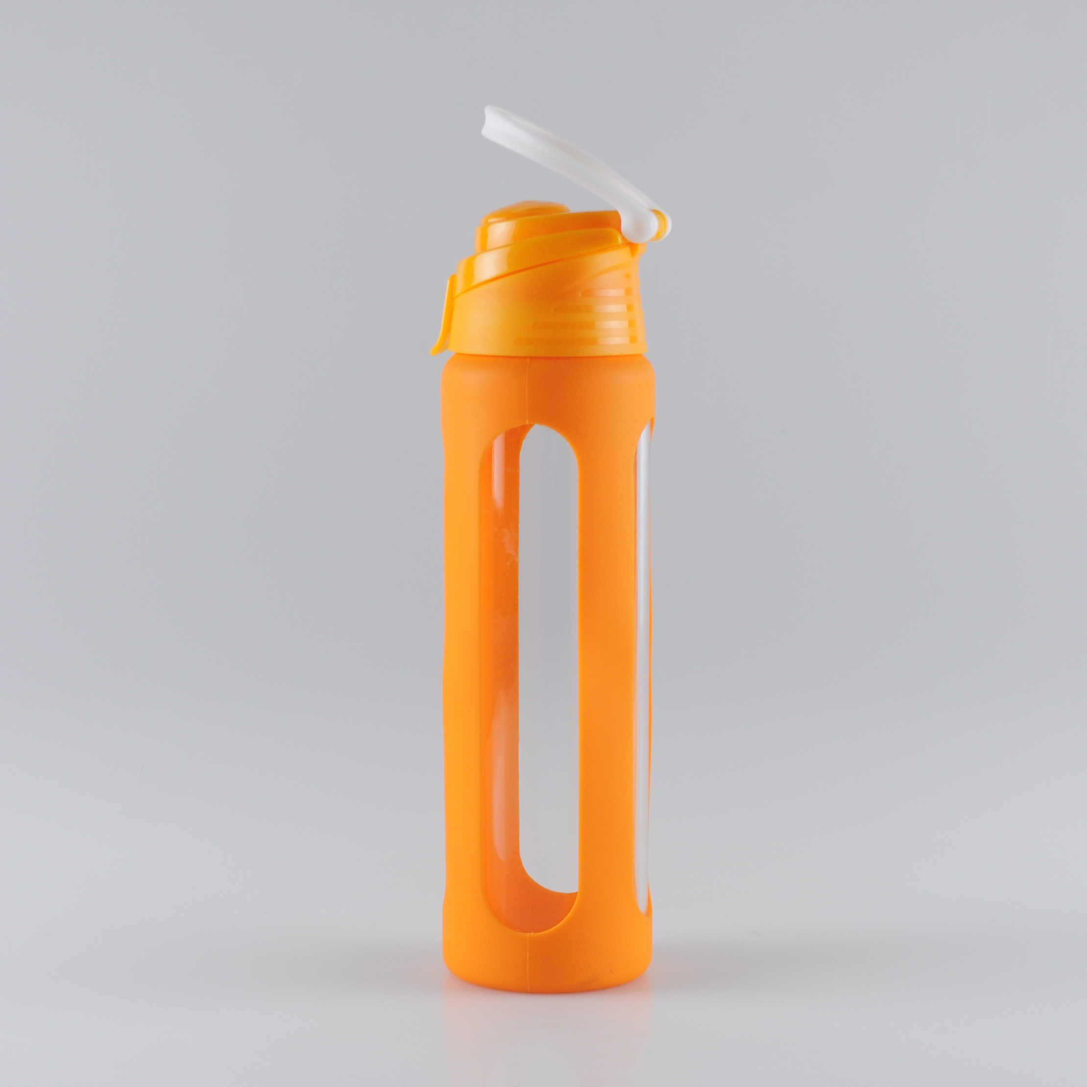 550ml-easy-carrying-borosilicate-glass-water-bottle-with-silicone-sleeve (1)