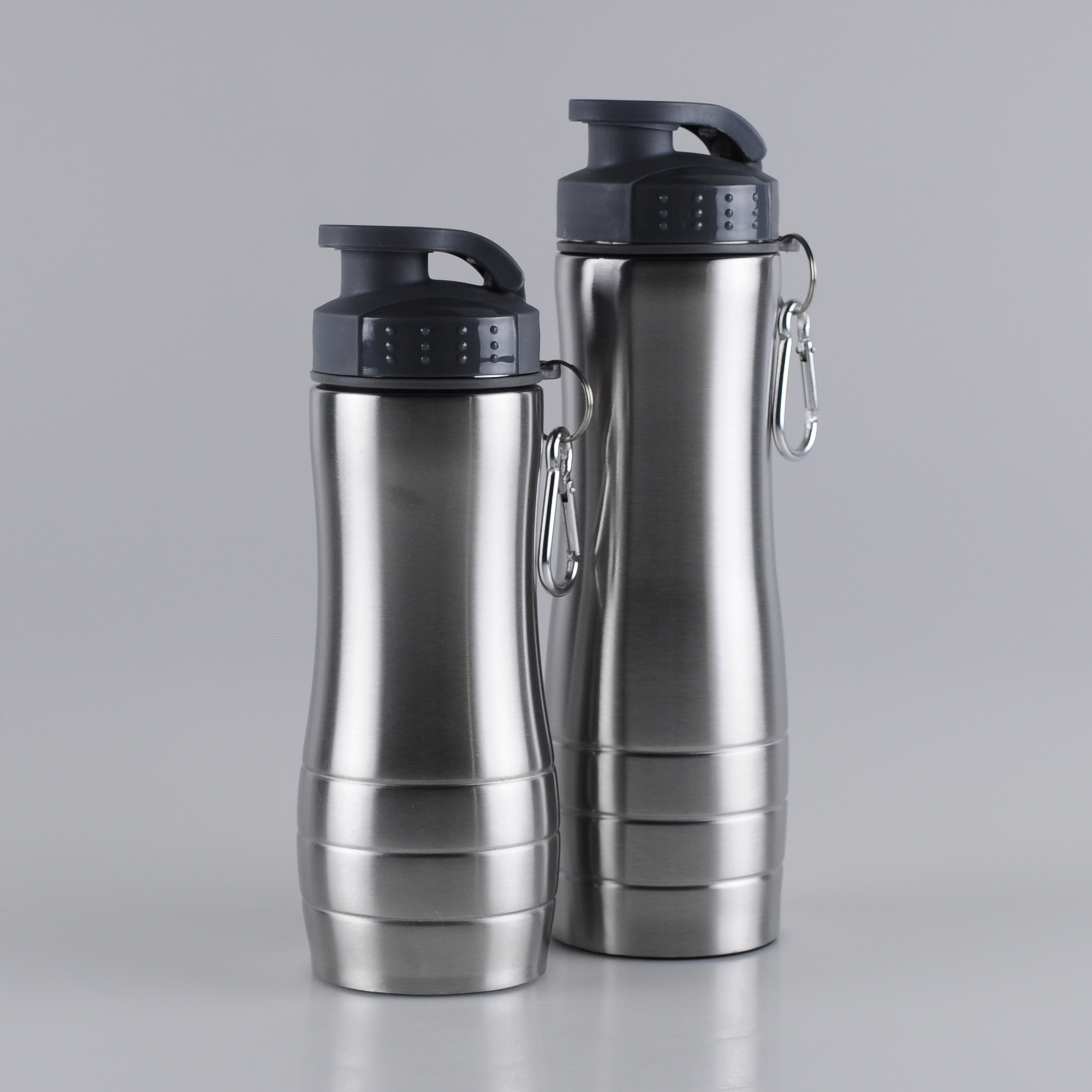 600ml-750ml-flip-top-stainless-steel-sports-bottle-with-attachable-carabiner (1)